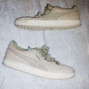 Boys suede puma sneakers